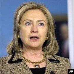 Hillary Clinton Secretária de Estado Norte-americana reagindo a captura de Laurent Gbagbo