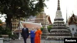 奧巴馬總統與希拉里克林頓國務卿星期日到訪泰國