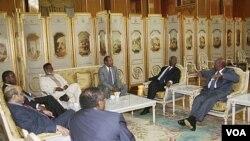 Pembicaraan Sudan Utara dan Selatan dengan para pemimpin Afrika di Addis Ababa, Ethiopia (12/6).