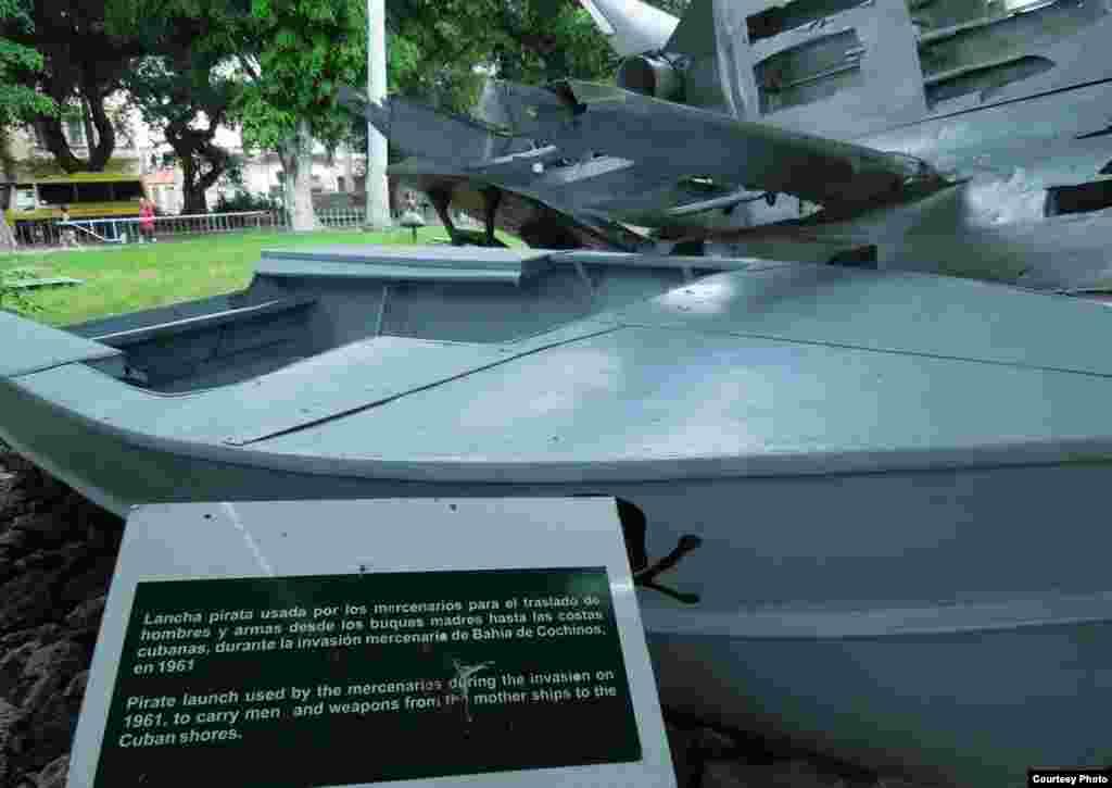 Chứng tích vụ tấn công Bay of Pig tại Bảo tàng Cách mạng ở Havana (ảnh Bùi Văn Phú)