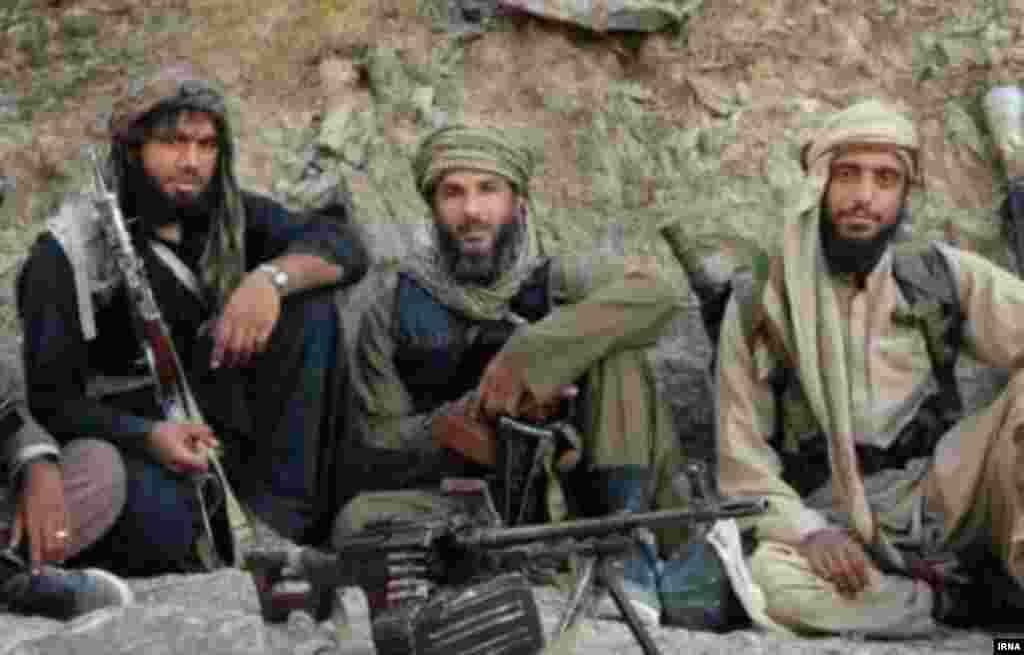 مقام های امنیتی ایران می گویند «قنبرزهی» رئیس گروه مسلح انصار الفرقان توسط سپاه قدس ایران در چابهار کشته شد.