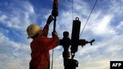 Цены на нефть достигли самой высокой отметки за последние 27 месяцев