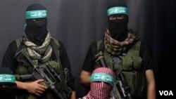 Kelompok militan Hamas dalam konferensi pers di kota Gaza, 25 Desember 2010.