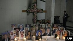 Поминальні свічки в християнській церкві у Багдаді