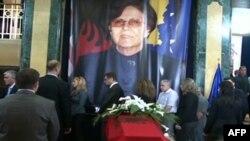 Kosovë: Ndërron jetë deputetja Nekibe Kelmendi