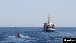Tàu Trung Quốc đâm chìm tàu Việt Nam gần quần đảo Hoàng Sa đang tranh chấp
