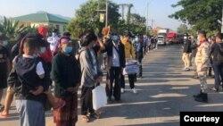 ဒီဇင္ဘာလ ၁၁ ရက္ေန႔က တာခ်ီလိတ္ကေန ေနရပ္ျပန္ၾကတဲ့ ထုိင္းမ်ား။ (ဓာတ္ပံု - CNCMC - ဒီဇင္ဘာ ၁၁၊ ၂၀၂၀)