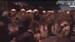 2012-02-20 粵語新聞: 希臘民眾在歐盟表決前抗議
