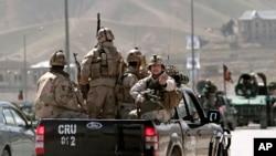 阿富汗部隊趕赴爆炸現場