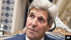 美國國務卿克里說,莫斯科應當停止支持阿薩德政權。