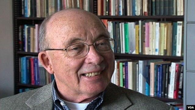 Profesor Ekonomi dari Northwestern University, Dale Mortensen, menjadi salah satu pemenang penghargaan Nobel untuk bidang Ekonomi tahun ini.