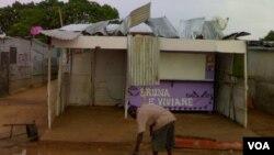 Moradores desalojados da ilha de Luanda continuam em tendas - 2:06