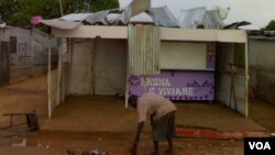 Desalojados da Ilha de Luanda - Zango