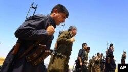 Pasukan Kurdi Peshmerga siaga di kota Mosul, Irak (foto: dok).