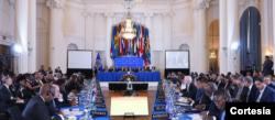 Representantes de países miembro de la OEA participan el martes 20 de octubre de 2020 en la apertura de la 50 Asamblea General del organismo interamericano, en un contexto marcado por la pandemia del COVID-19. [Captura tomada de la web de la OEA]