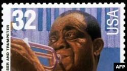 Почтовая марка США, выпущенная 1 сентября 1995 года в честь легендарного джазового трубача Луи Армстронга