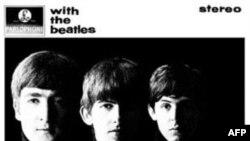 Apple loan báo khách hàng của iTunes có thể tải xuống máy của mình tất cả 13 album chính gốc của The Beatles