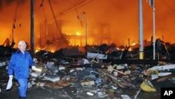 Последствия цунами и землетрясения 12 марта 2011г. Япония, префектура Фукусима.