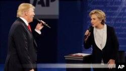 Les deux candidats lors d'un débat télévisé à Saint Louis, le 9 octobre 2016.