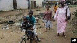 Dans le quartier d'Abobo à Abidjan, en Côte d'Ivoire, le 19 août 2015.
