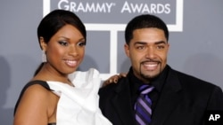 Jennifer Hudson and David Otunga arrive at the 51st Annual Grammy Awards on Feb. 8, 2009, in Los Angeles.