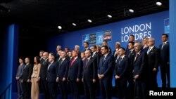 Zajednička fotografija lidera NATO-a na samitu u Londonu