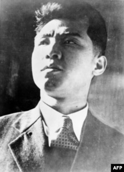 김일성의 젊은 시절로 알려진 사진.