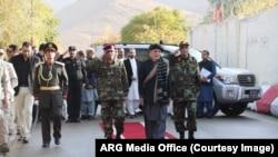 رئیس جمهور غنی در مراسم فاتحۀ قربانیان حملۀ هفته گذشته شرکت کرد