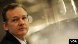 El fundador de Wikileaks, Julian Assange justificó la publicación de documentos reservados robados al gobierno de Estados Unidos.