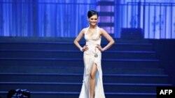 Hoa hậu Alex Trần dự định sẽ về Việt Nam vào mùa hè tới để tìm hiểu thêm các cơ hội làm từ thiện
