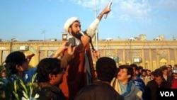 Höccətül-İslam Əbdüləziz Əzimi Qədim İranda Azərbaycan türklərinin hüquqlarının müdafiəçisidir