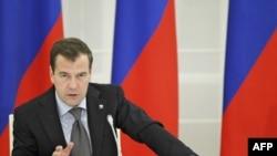 Presidenti rus Medvedev do të dëshironte të kandidonte për një mandat të dytë