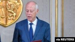 """Le président Saied """"a chargé lundi M. Fakhfakh de former un gouvernement dans les plus brefs délais"""", a indiqué la présidence de la République dans un communiqué."""