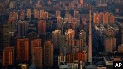 2月21日,新华社发布消息,题曰《中国将不再建封闭住宅小区 推广街区制》