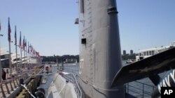 纽约市无畏海空博物馆的黑鲈号(USS GROWLER)潜艇。美国海军现役潜艇全为核动力,常规动力潜艇都进了博物馆。
