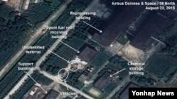 지난 달 22일 북한 영변 핵단지 내 방사화학 실험실 건물의 위성 사진 출처: 38노스 캡처.