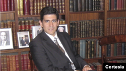 Fernando Bazán dialoga sobre los ataques aéreos contra ISIS