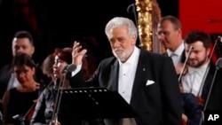 歌劇演唱家多明戈在莫斯科紅場舉行的世界著名古典音樂藝術家的音樂會上演出 (2018年6月13日)