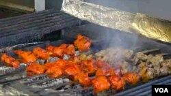 کباب از خوراکه های مورد پسند افغان ها و حتی امریکایی ها در ایالت های مختلف امریکا است
