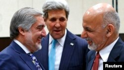 Госсекретарь Керри, президент Афганистана Ашраф Гани и премьер-министр Абдулла Абдулла