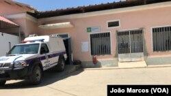 Viatura do SIC chega à morgue com corpo encontrado na rua, Hospital Geral de Benguela, Angola
