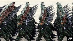Các quân nhân diễu hành trong lễ kỷ niệm 70 năm ngày Quốc khánh Việt Nam, ngày 2 tháng 9 năm 2015.