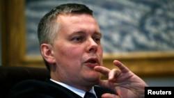 波蘭國防部長謝莫尼亞克。