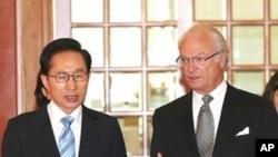 30일 정상회담을 한 이명박 한국 대통령(왼쪽)과 칼 구스타프 스웨덴 국왕.