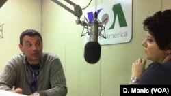 Ο Αλεξάντερ Γκριγκόριεβ μιλά με την Ζωή Λεουδάκη