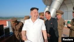 북한 김정은 국무위원장이 국방과학원에서 새로 개발한 지대함 순항미사일 시험발사를 참관했다고 지난 9일 조선중앙통신이 보도했다.