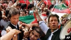 عمران خان رهبر حزب تحریک انصاف پاکستاندر میان هوادارانش
