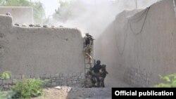 پاکستانی فوج تین ماہ سے شمالی وزیرستان میں آپریشن جاری رکھے ہوئے ہے۔