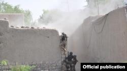 آپریشن ضرب عضب میں مصروف فوجی