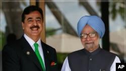 印度總理辛格(右)和巴基斯坦總理吉拉尼